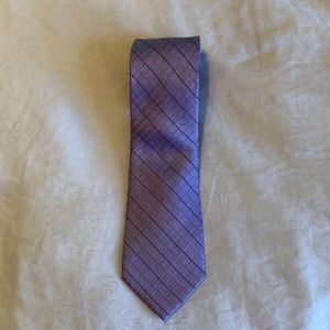 Calvin Klein silk Blend tie. Gently Used